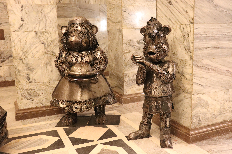 Galeria Figur Stalowych - atrakcje dla dzieci Warszawa - Rodzinny Kompas 4