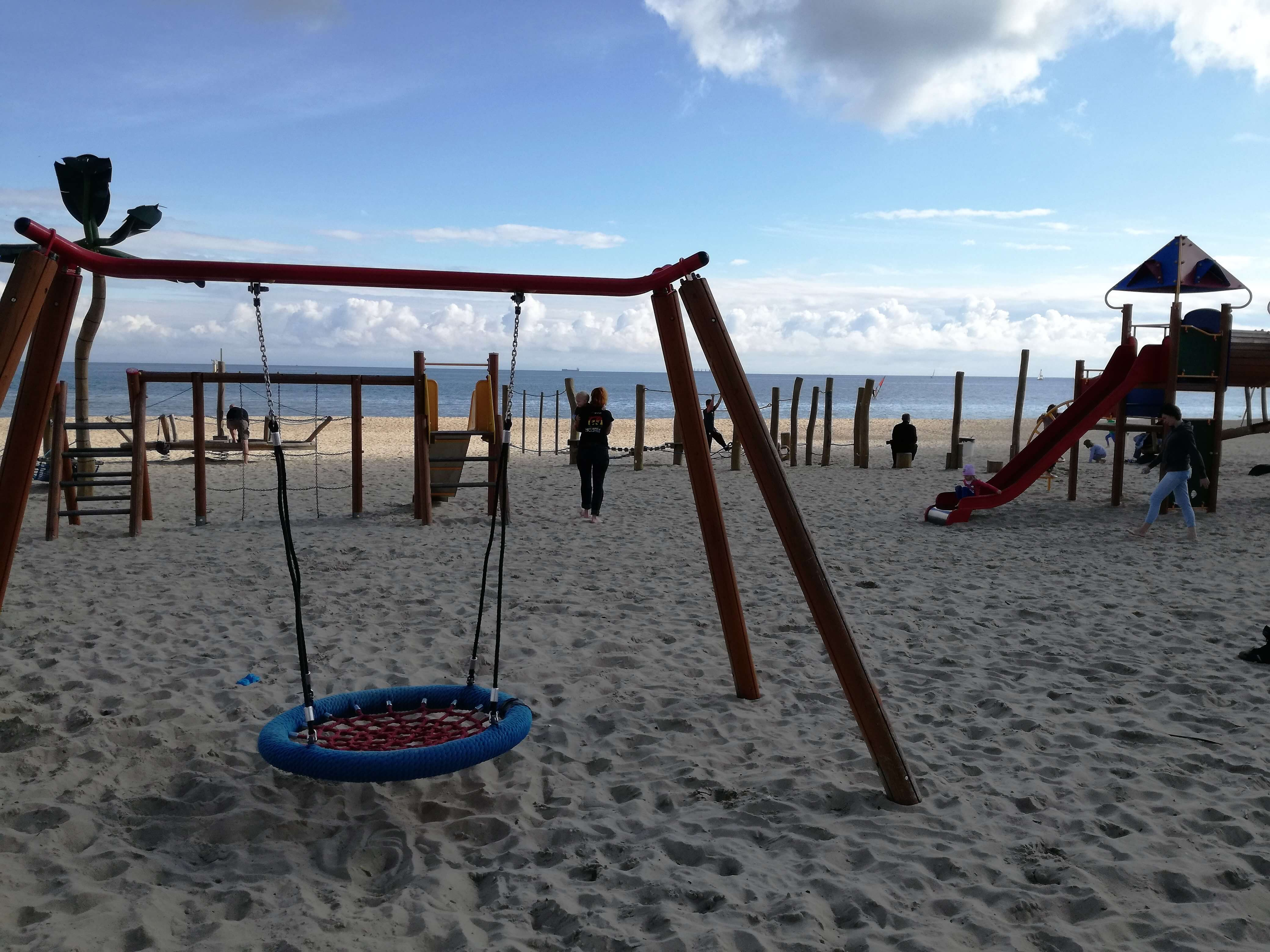 Plac zabaw na plaży Sopot 4_atrakcje dla dzieci Sopot - rodzinnykompas.pl