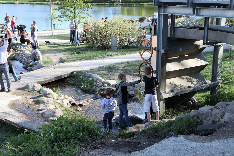 Park Nad Balatonem 4 - park Warszawa - plac zabaw Warszawa - rodzinnykompas.pl