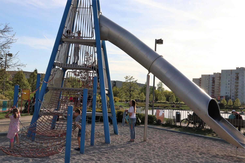 Park Nad Balatonem 10 - park Warszawa - plac zabaw Warszawa - rodzinnykompas.pl