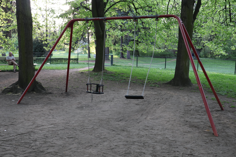 Park Skaryszewski 10 - miejsce na grilla w warszawie - plac zabaw Warszawa - atrakcje dla dzieci - rodzinnykompas.pl
