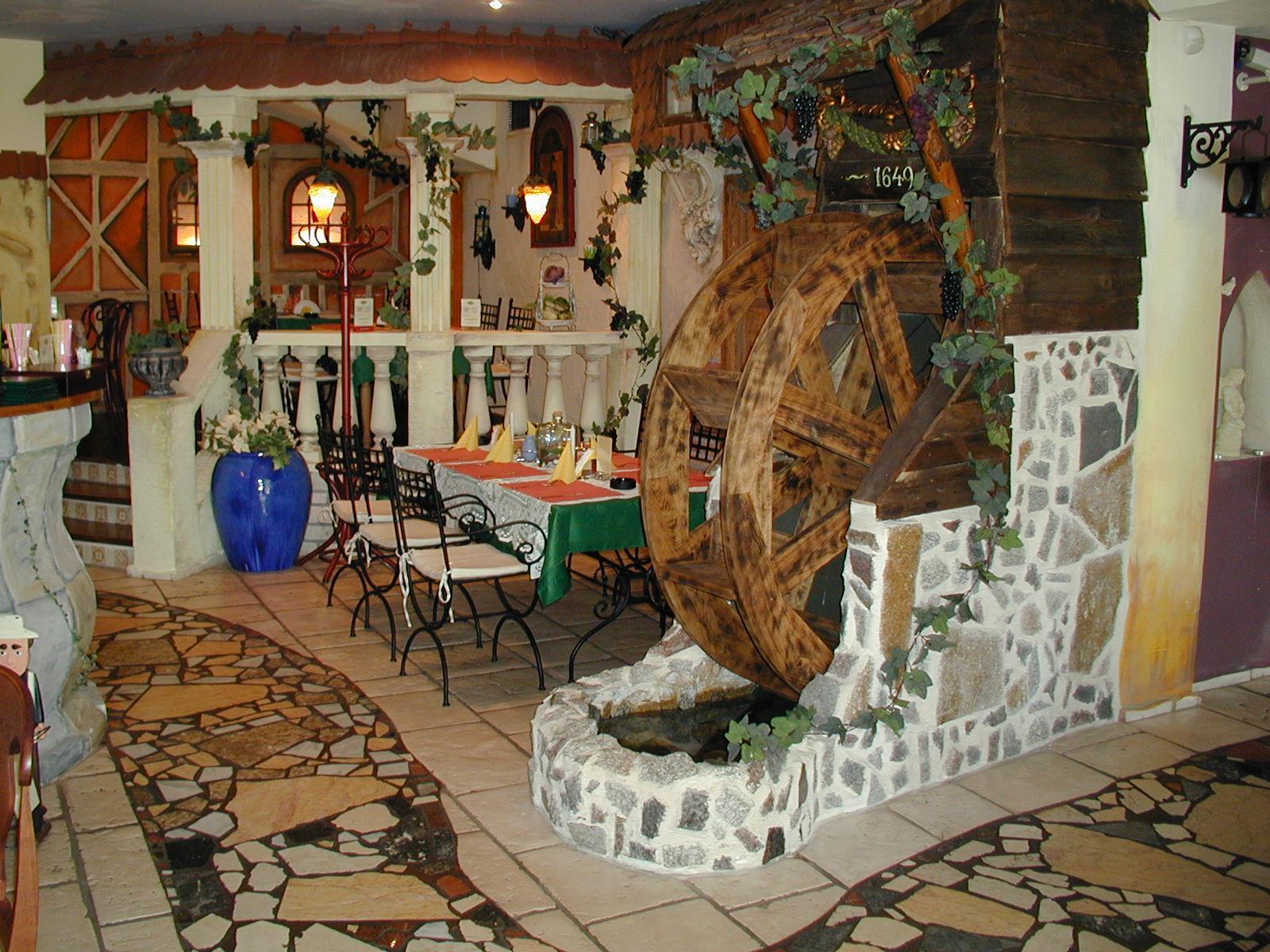 Pod Winogronami - restauracja przyjazna dzieciom Kołobrzeg - Rodzinny Kompas