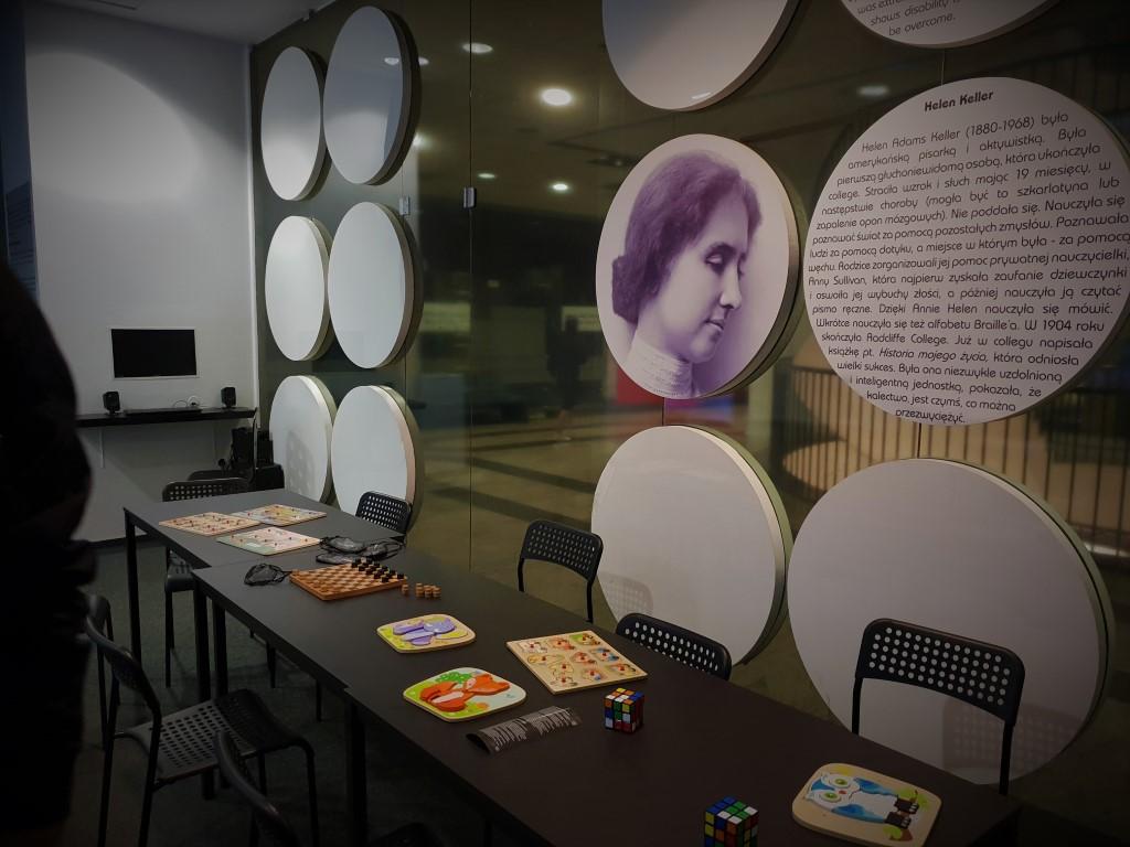 Niewidzialna wystawa - atrakcje dla dzieci Warszawa - Rodzinny Kompas 3