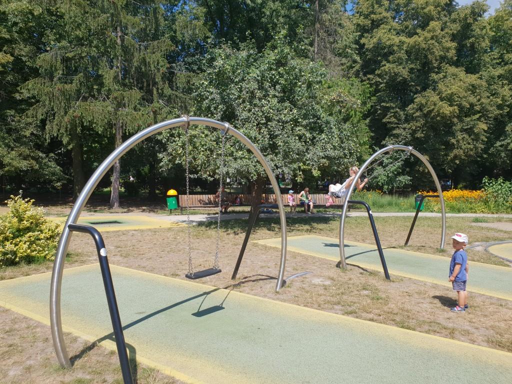 Park trampolin AWF - plac zabaw - atrakcje dla dzieci Warszawa - Rodzinny Kompas 8