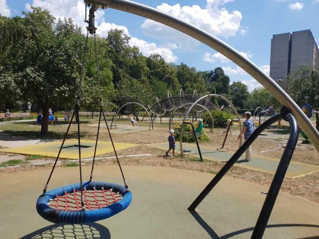 Park trampolin AWF - plac zabaw - atrakcje dla dzieci Warszawa - Rodzinny Kompas 7
