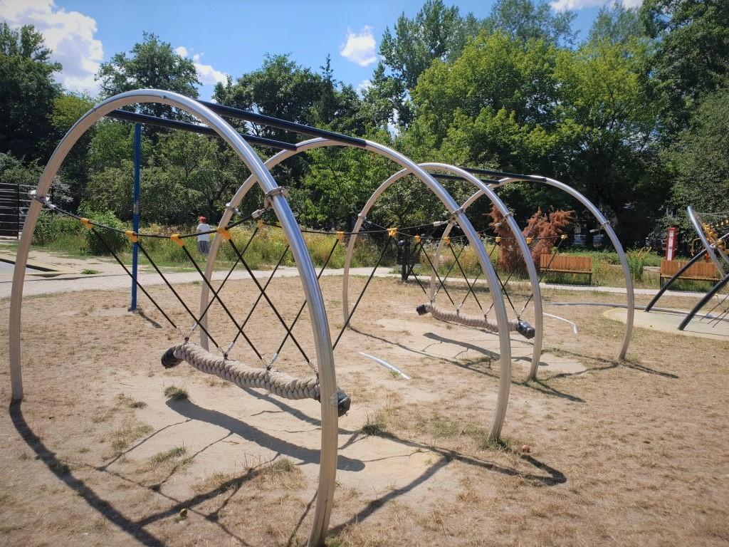 Park trampolin AWF - plac zabaw - atrakcje dla dzieci Warszawa - Rodzinny Kompas 5