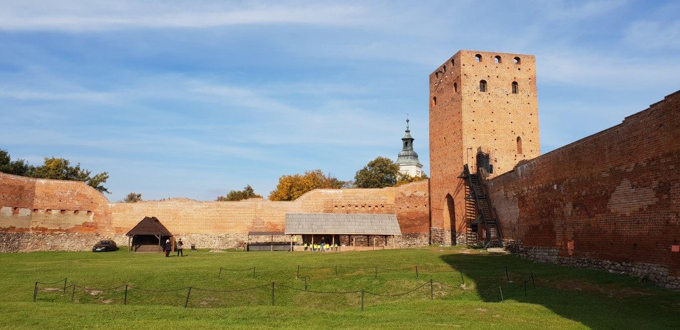 Zamek Czersk - atrakcje dla dzieci - rodzinny spacer - Rodzinny Kompas 2