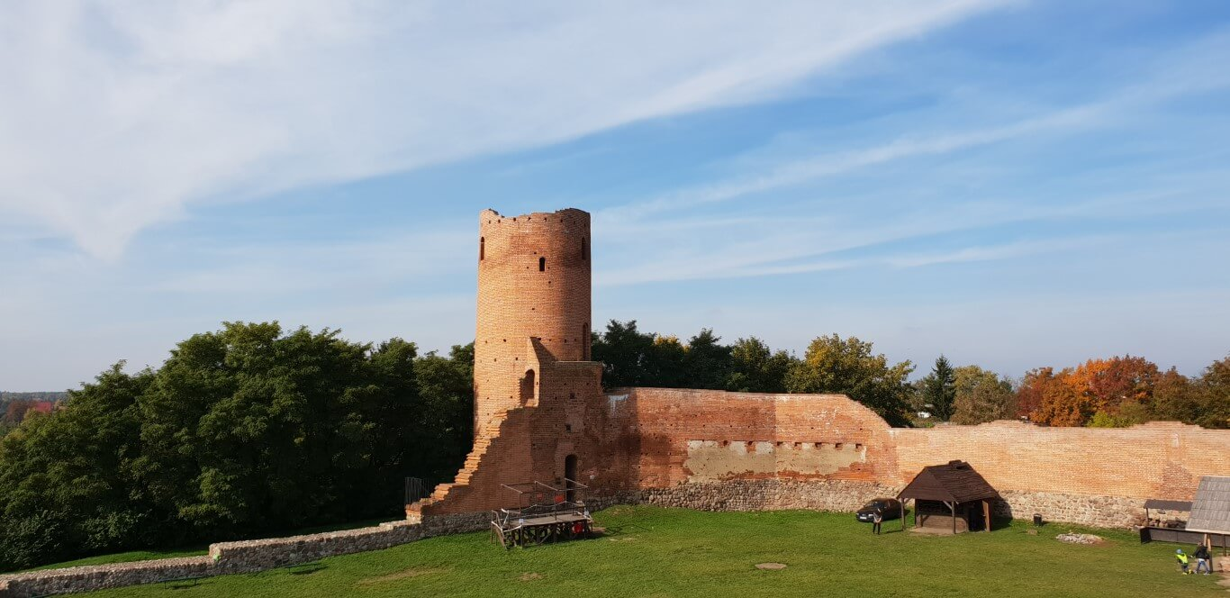 Zamek Czersk - atrakcje dla dzieci - rodzinny spacer - Rodzinny Kompas 3