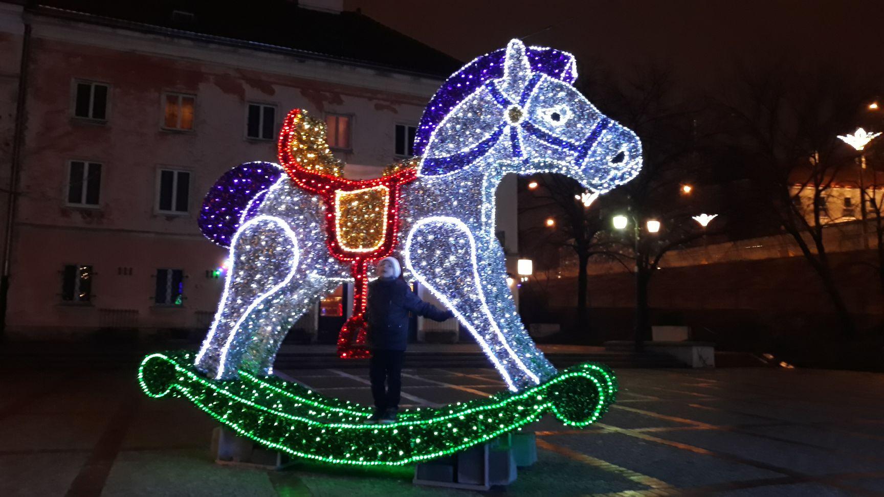 Świąteczna Iluminacja Warszawa 2019 - darmowe atrakcje dla dzieci w Warszawie - Rodzinny Kompas 12